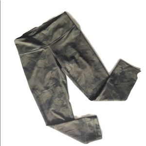 Lululemon RARE Crop Leggings Green Camo 2 pocket